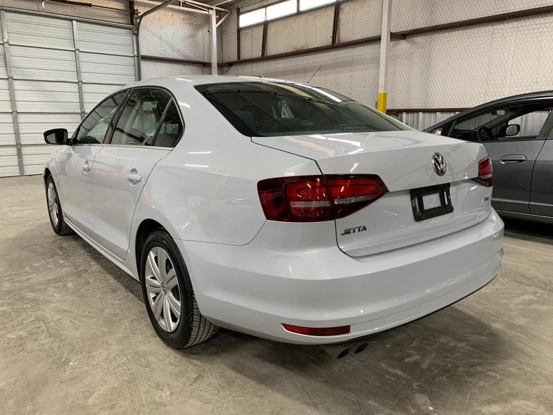 Volkswagen Jetta 2017 price $8,999