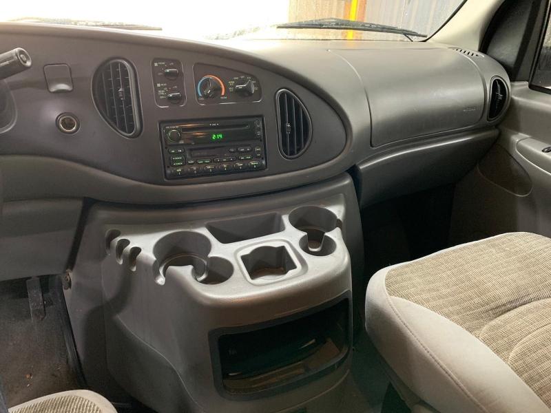 Ford Econoline Wagon 2003 price $4,499