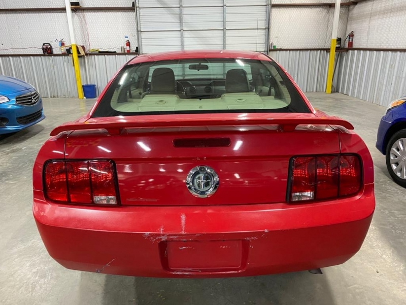 Ford Mustang 2006 price $4,999