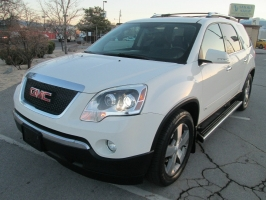 GMC Acadia SLT2/ Loaded!! 2009