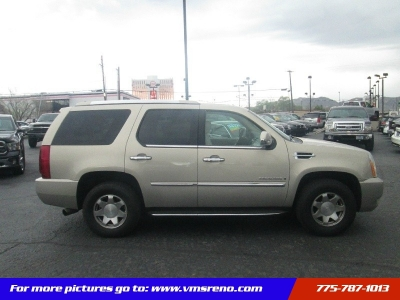 2007 Cadillac Escalade AWD LOW MILES!! 3RD Row!!