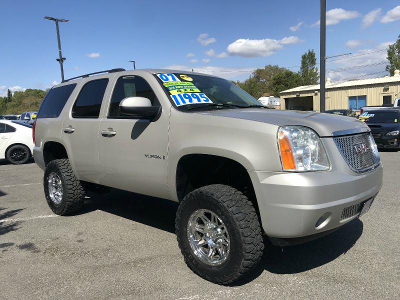 GMC Yukon, Lifted, 3RD Row, Clean!!!! 2007 price $11,995