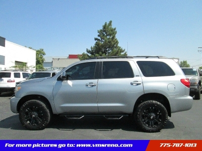 2008 Toyota Sequoia 4WD LV8 6-Spd AT SR5 LIFTED, OFF ROAD TIRES!!