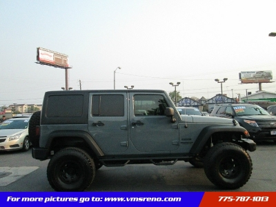 2014 Jeep Wrangler Unlimited 4WD ONLY 18K miles, Lifted!