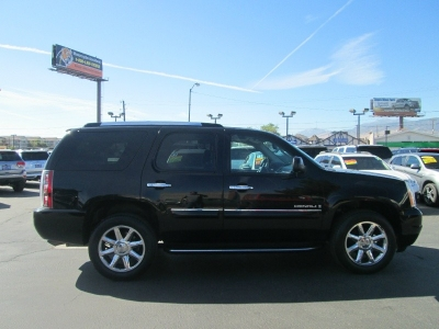 2008 GMC Yukon Denali AWD LOW MILES!! LOADED!! 1 Owner!!