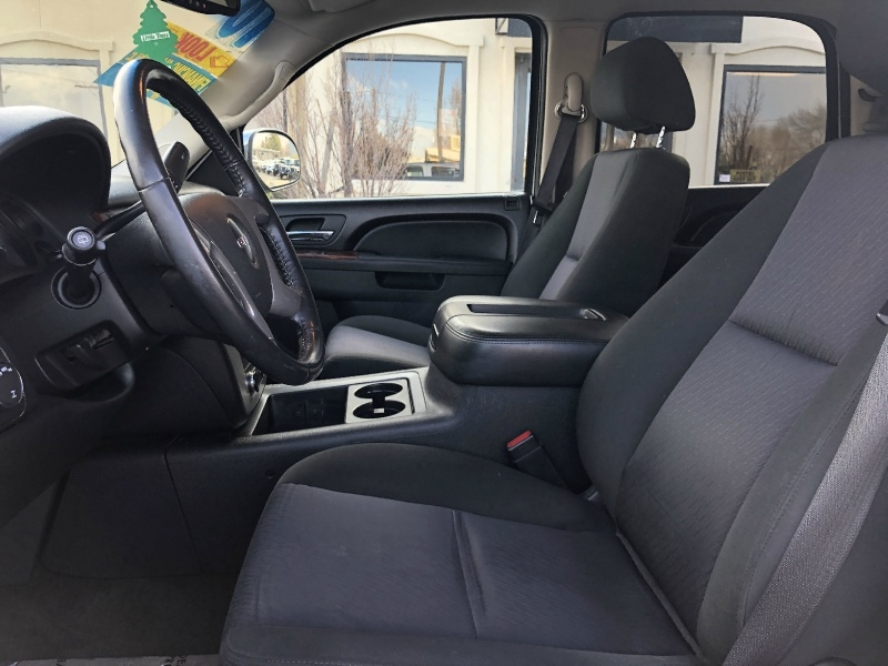 GMC Yukon 4WD, WHEELS, 3RD ROW, PERFECT FAMILY VEHICLE 2010 price $12,495
