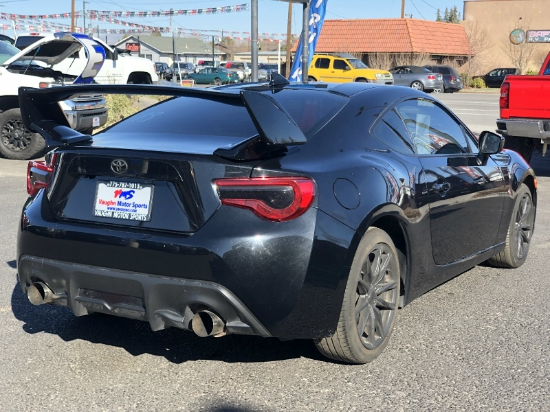 Toyota 86, ONLY 10K MILES, BRAND NEW, CLEAN!!!! 2017 price $19,995