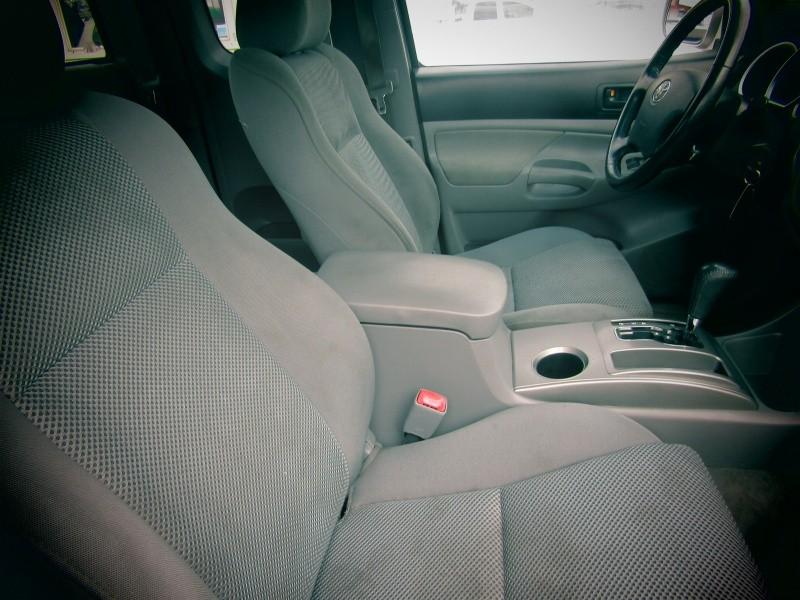 Toyota Tacoma 2006 price $9,675