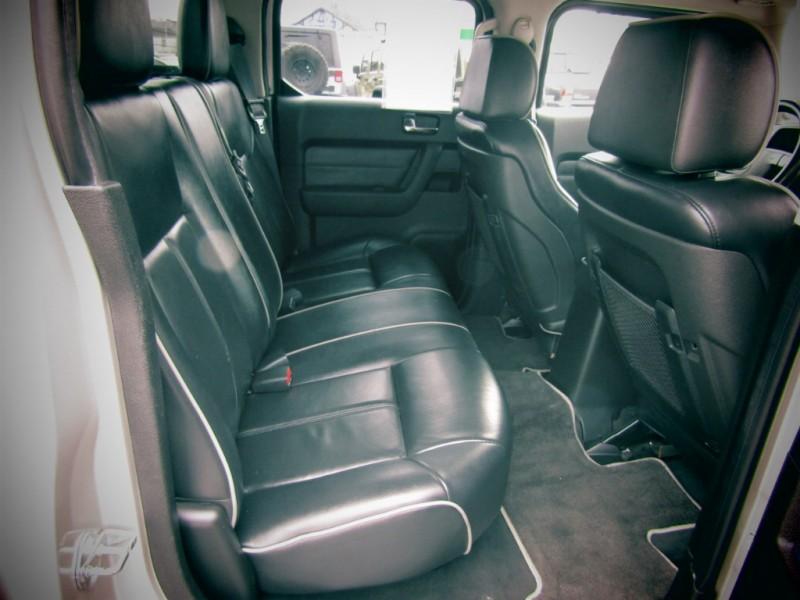 Hummer H3 2009 price $19,365