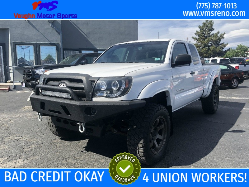 Toyota Tacoma Lifted, Rims, Bumper!!! 2010 price $12,995
