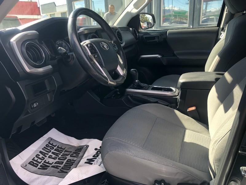 Toyota Tacoma Lifted, Rims!!! 2016 price $27,995