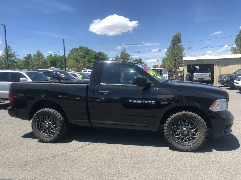 RAM 1500, Lifted, Rims and tires!! 2012 price $19,995