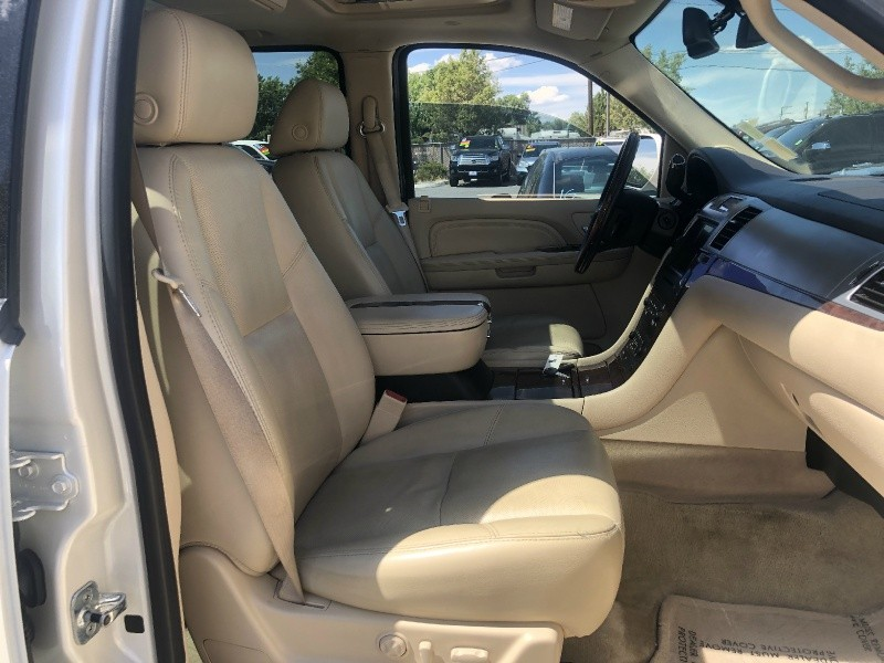 Cadillac Escalade, AWD, Loaded, ONLY 79K Miles!!!! 2007 price $19,695