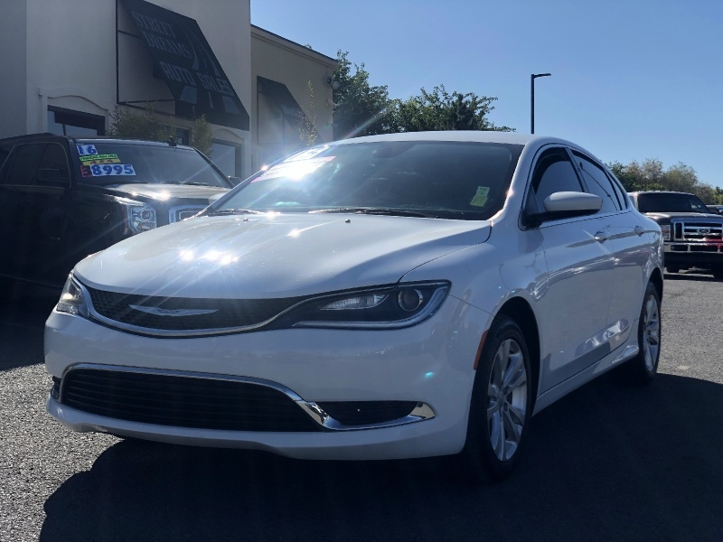 Chrysler 200 Limited, Loaded, Low Miles, First Time Buyer!! 2015 price $10,995