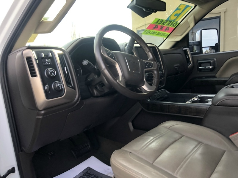 GMC Sierra 3500HD Denali Duramax, Fully Loaded, Low Mi 2015 price $51,995