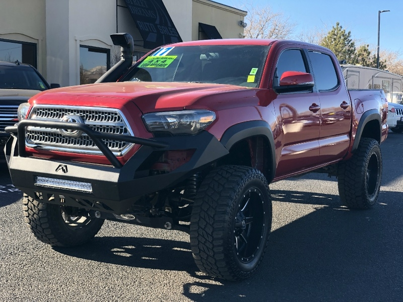 Toyota Tacoma TRD OFFROAD, LIFTED, LOW MILES, TONS OF UPG 2017 price $35,995