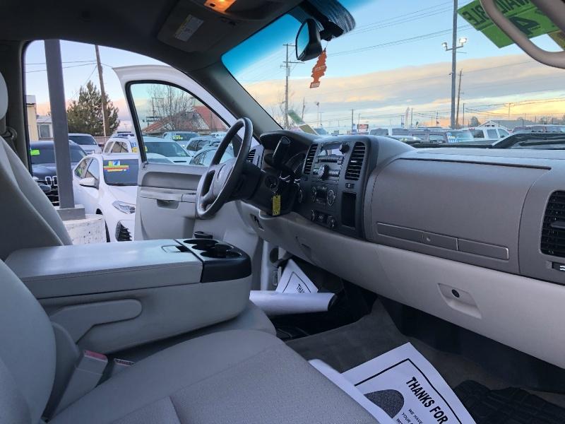 GMC Sierra 2500HD Duramax Diesel, CLEAN, FINANCING AVA 2014 price $31,595