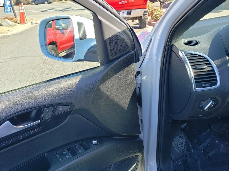 Audi Q7 2012 price $20,995