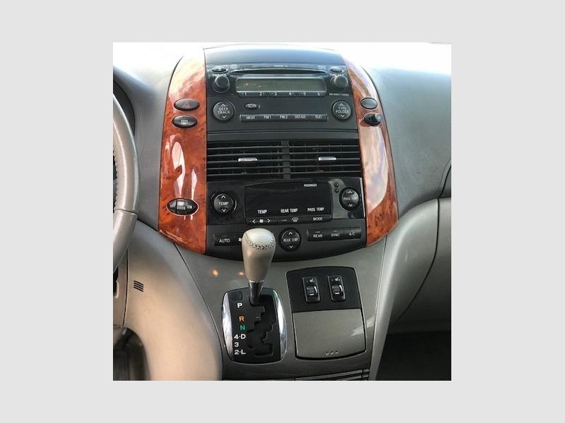 Toyota Sienna 2008 price $900 Down
