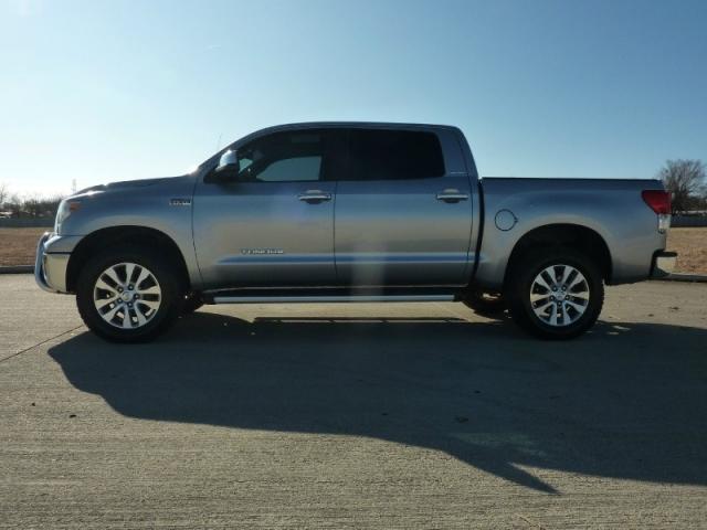 2011 Toyota Tundra Platinum 4WD Truck