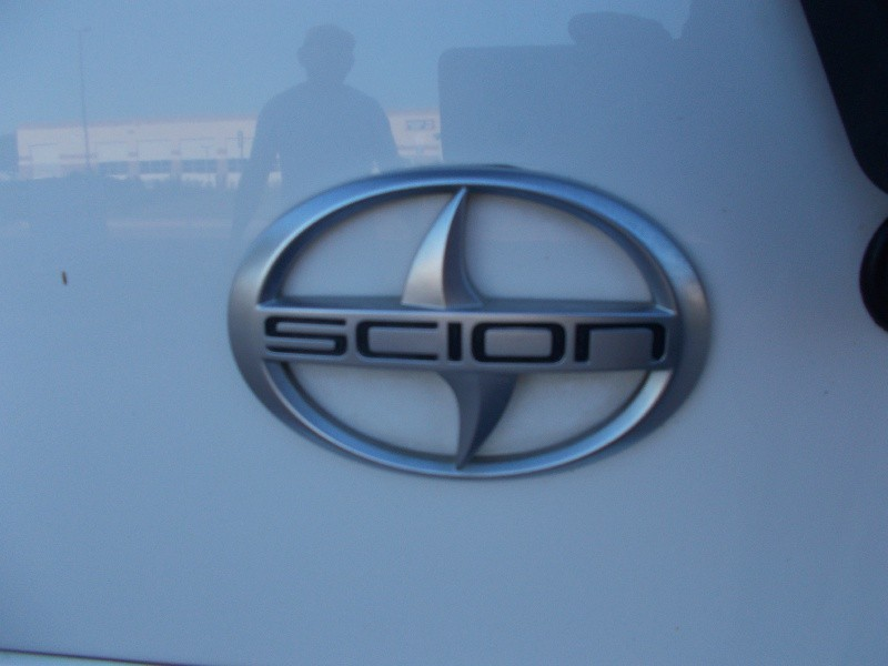 Scion xB 2005 price $2,600