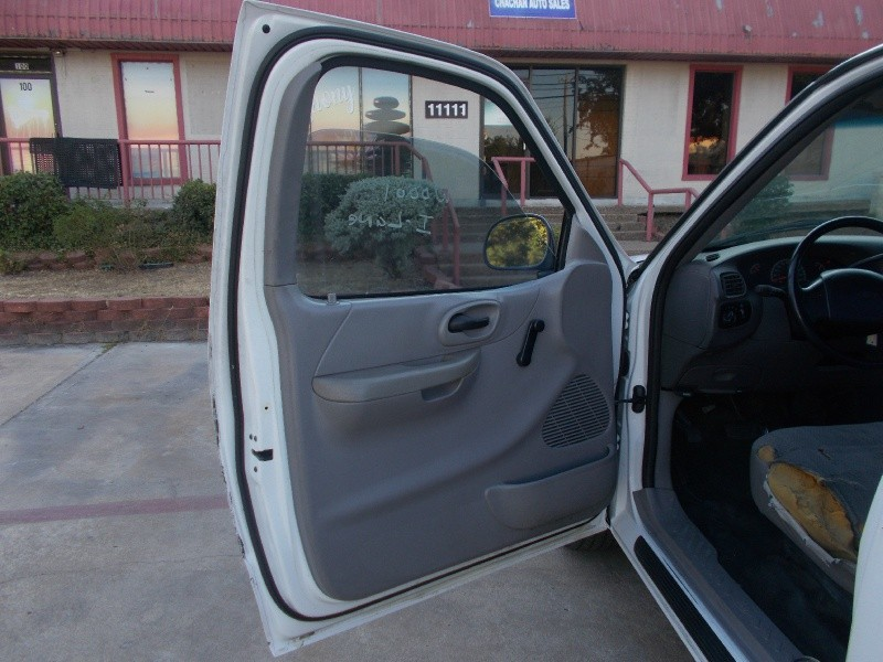 Ford F-150 1999 price $1,900