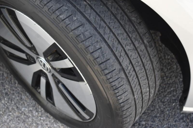 Volkswagen e-Golf 2015 price $14,995