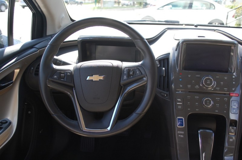 Chevrolet Volt 2011 price $8,995