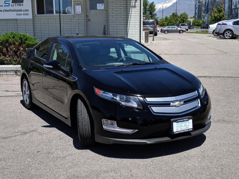 Chevrolet Volt 2013 price $9,995