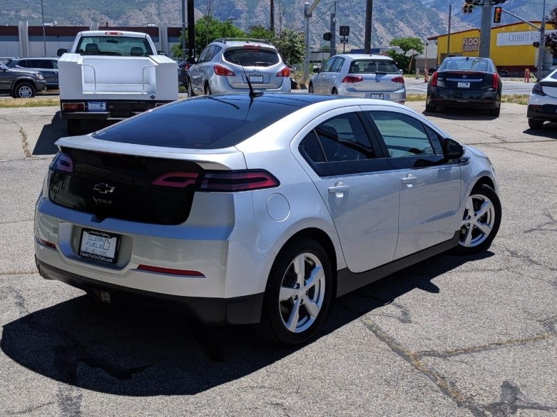 Chevrolet Volt 2012 price $9,295