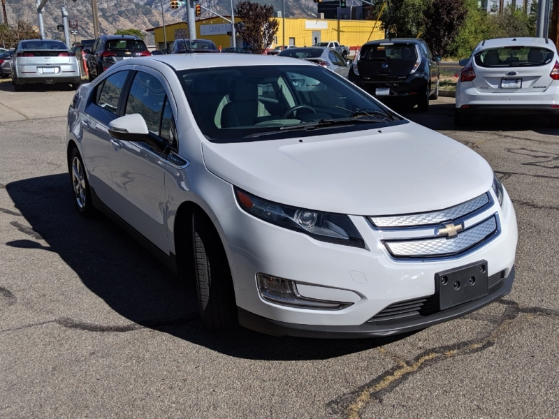 Chevrolet Volt 2013 price $10,495