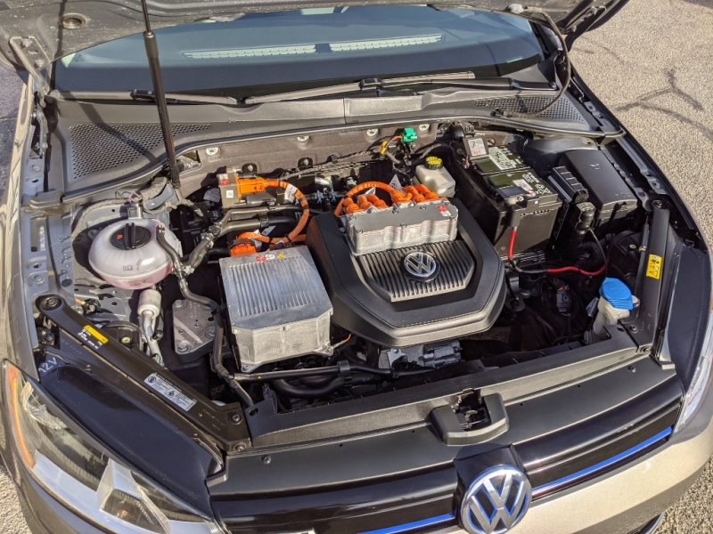 Volkswagen e-Golf 2016 price $12,495
