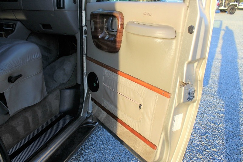 Chevrolet Express Passenger 2000 price $5,500