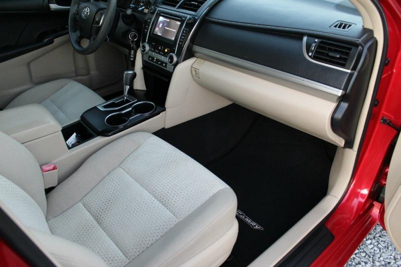 Toyota Camry 2013 price $8,950