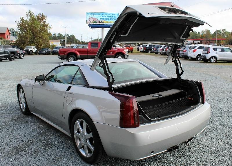 Cadillac XLR 2006 price $15,500