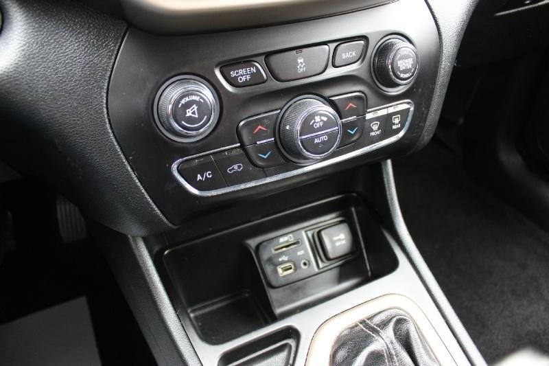 Jeep Cherokee 2016 price $12,995