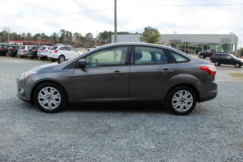 Ford Focus 2012 price $4,995