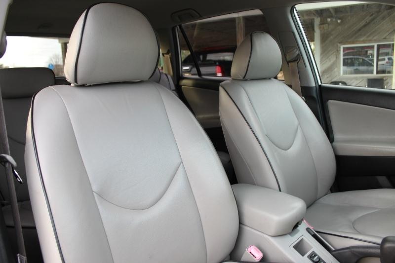 Toyota RAV4 2006 price $4,900
