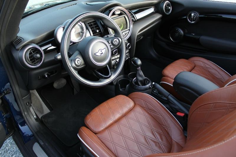 Mini Cooper Convertible 2016 price $20,500
