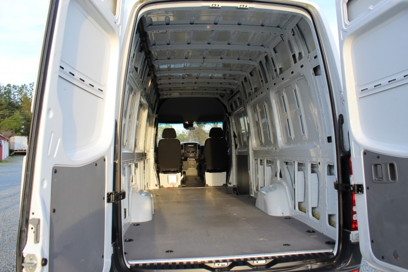Mercedes-Benz Sprinter Cargo Vans 2015 price $18,300
