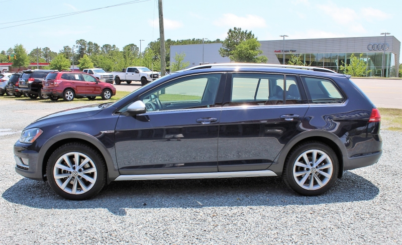 Volkswagen Golf Alltrack 2017 price $15,500