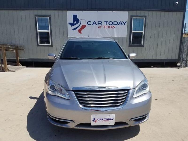 Chrysler 200 2013 price $11,995