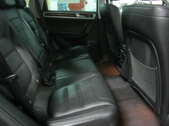 Volkswagen Touareg 2012 price $15,998