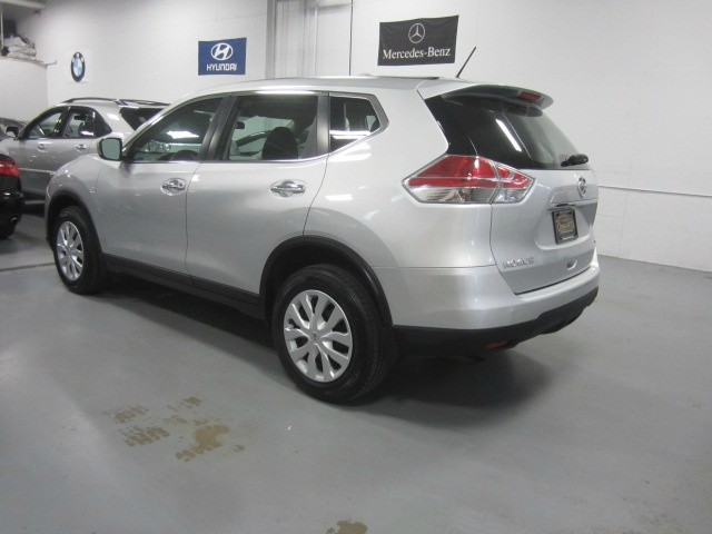 Nissan Rogue 2015 price $11,998