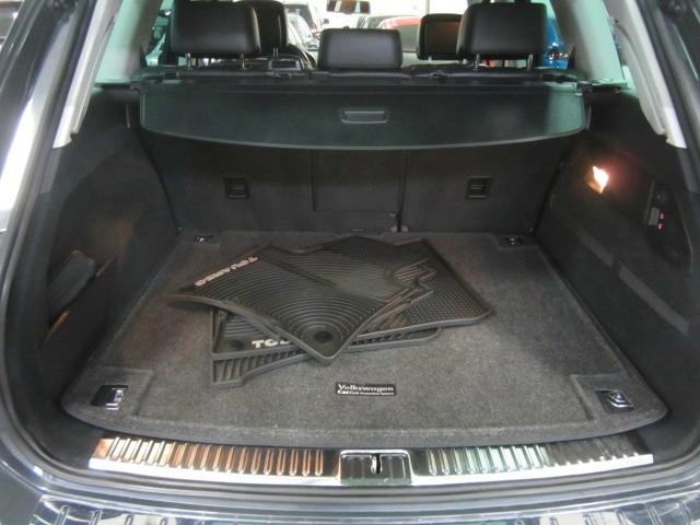 Volkswagen Touareg 2012 price $16,498