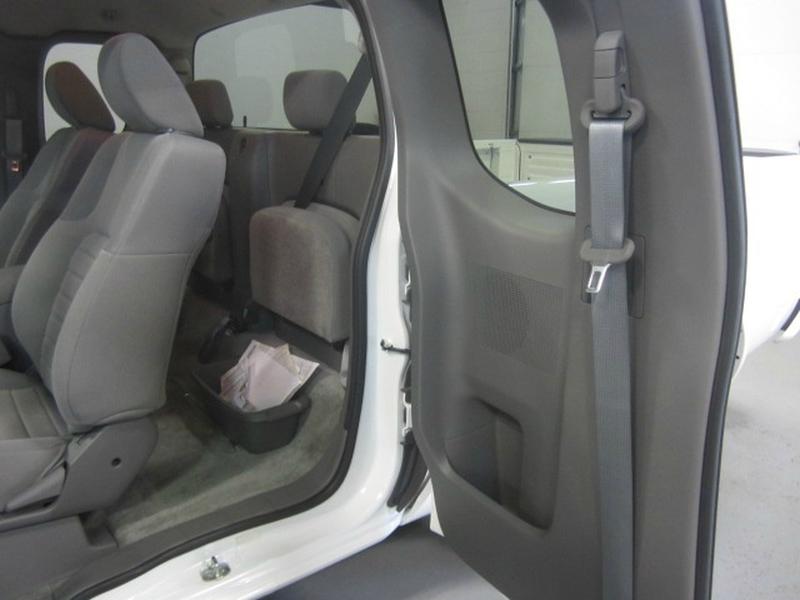 Nissan Frontier 2018 price $18,698