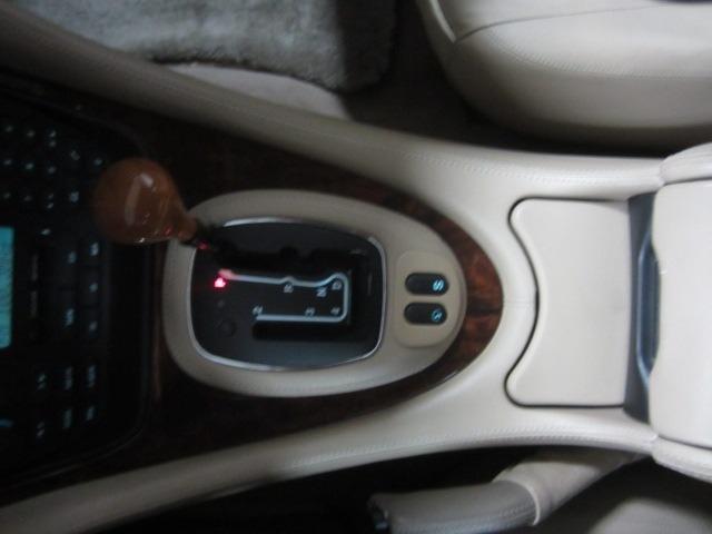 Jaguar XJ 1999 price $7,998