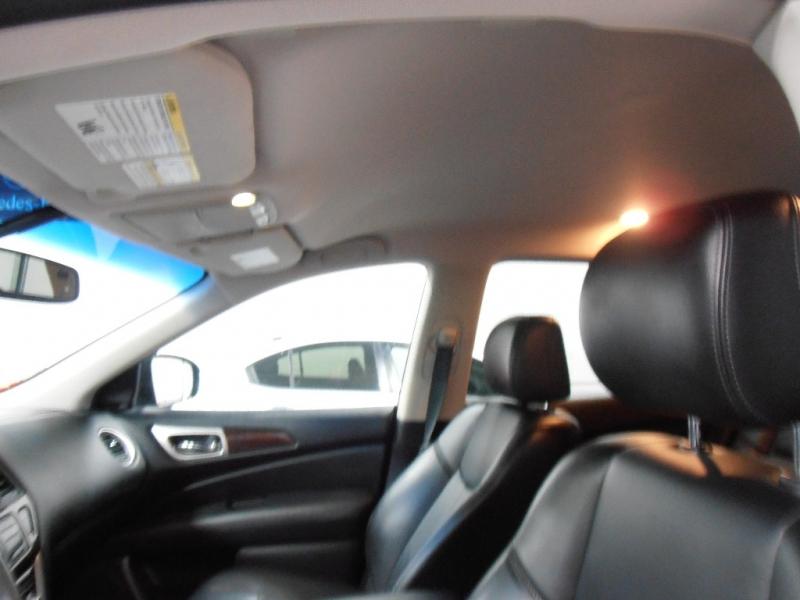 Nissan Pathfinder 2016 price $19,697