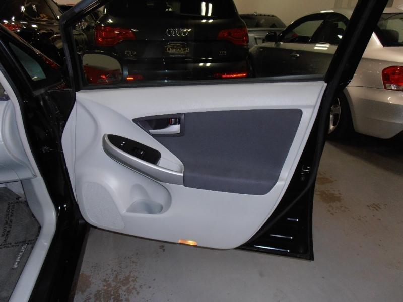 Toyota Prius 2010 price $8,998