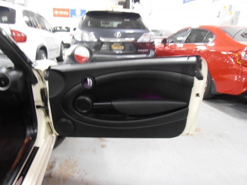 Mini Cooper Convertible 2014 price $11,998